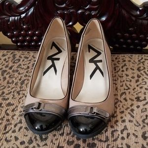 Anne Klein black and tan wedge Size 8